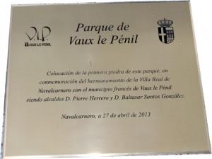 PRIMERA PIEDRA PARQUE DE VAUX LE PENIL - NAVALCARNERO