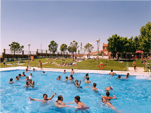 piscina municipal polideportivo covadonga navalcarnero
